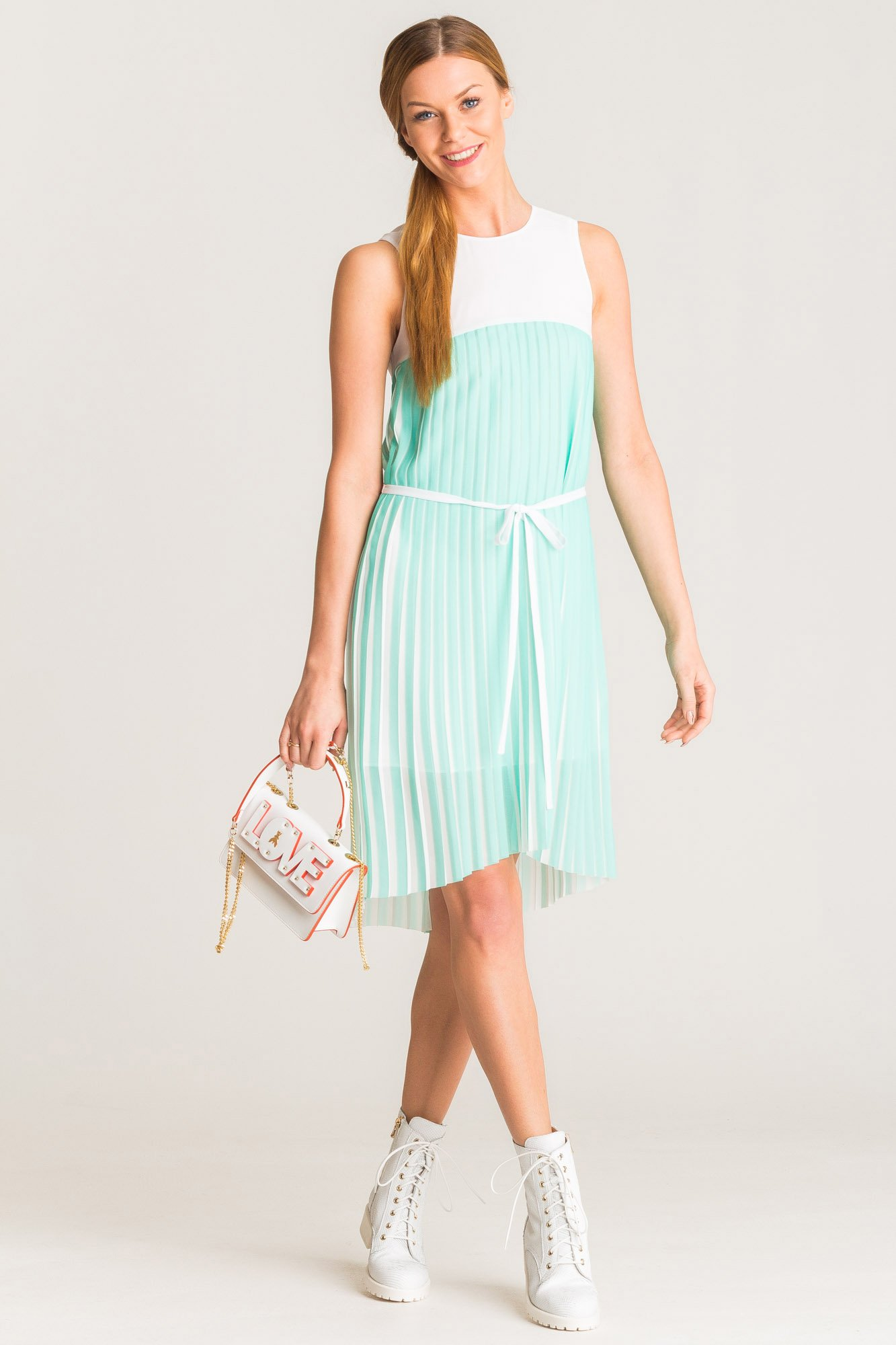 2d36b298e5 ... Asymetryczna biało-miętowa plisowana sukienka Armani Exchange ...