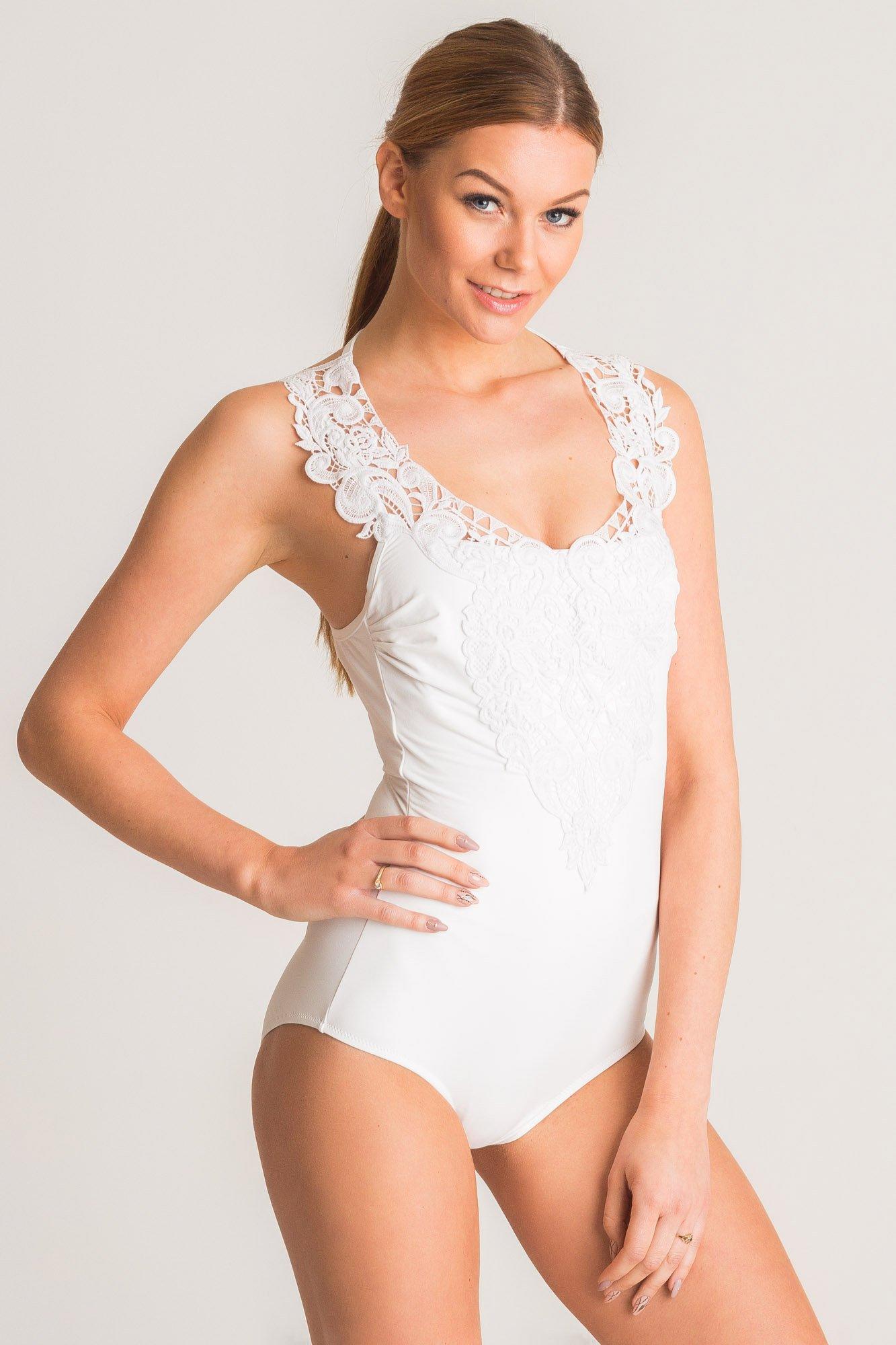 f575f5f58233e3 Biały jednoczęściowy strój kąpielowy Twinset U&B z koronką   Marki ...