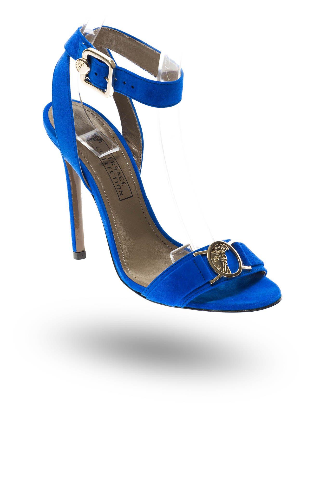 e5119569efb50 Chabrowe zamszowe sandały Versace na obcasie | Markowa odzież w ...