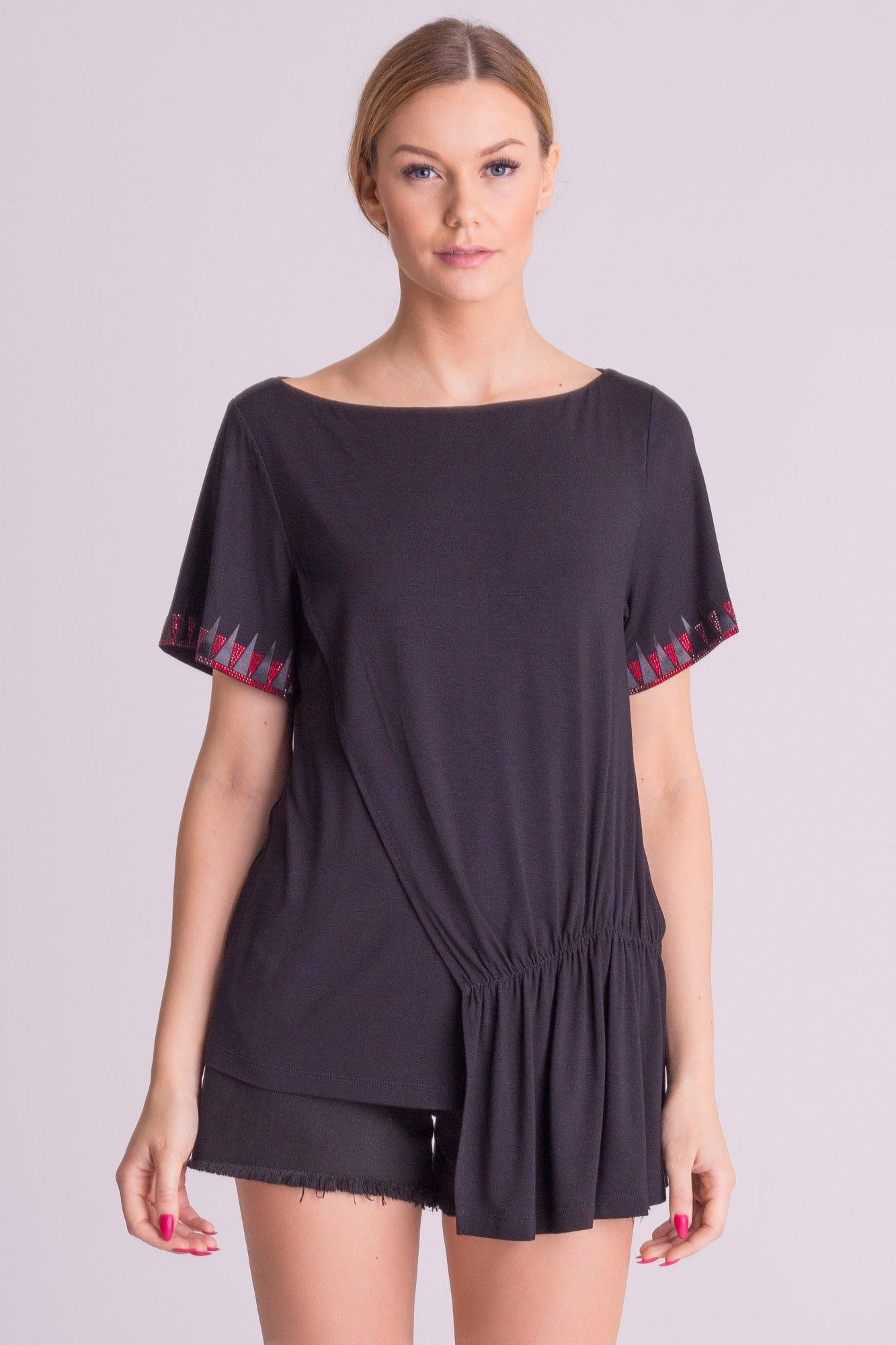 acb012722a ... Czarna bluzka Versace Collection z dłuższym bokiem ...