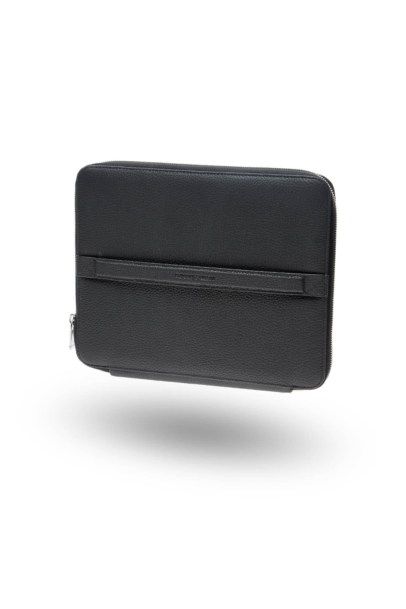 a39ee07a92d59 Czarne skórzane etui na tablet Emporio Armani | Markowa odzież w ...