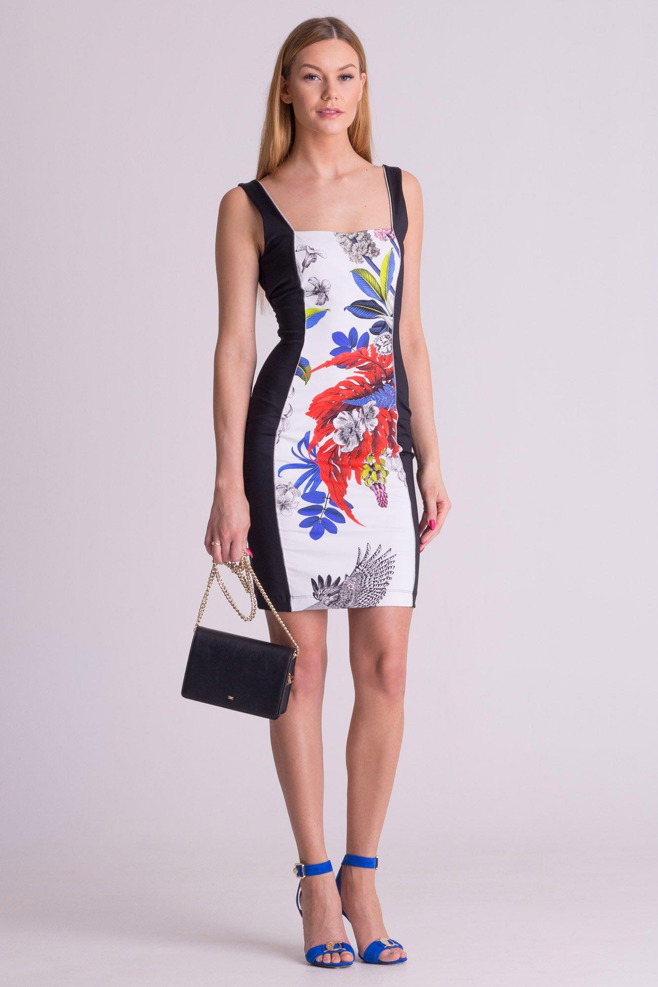 5e402d0f89 ... Czarno-biała sukienka na ramiączkach Just Cavalli w kwiatowy wzór ...