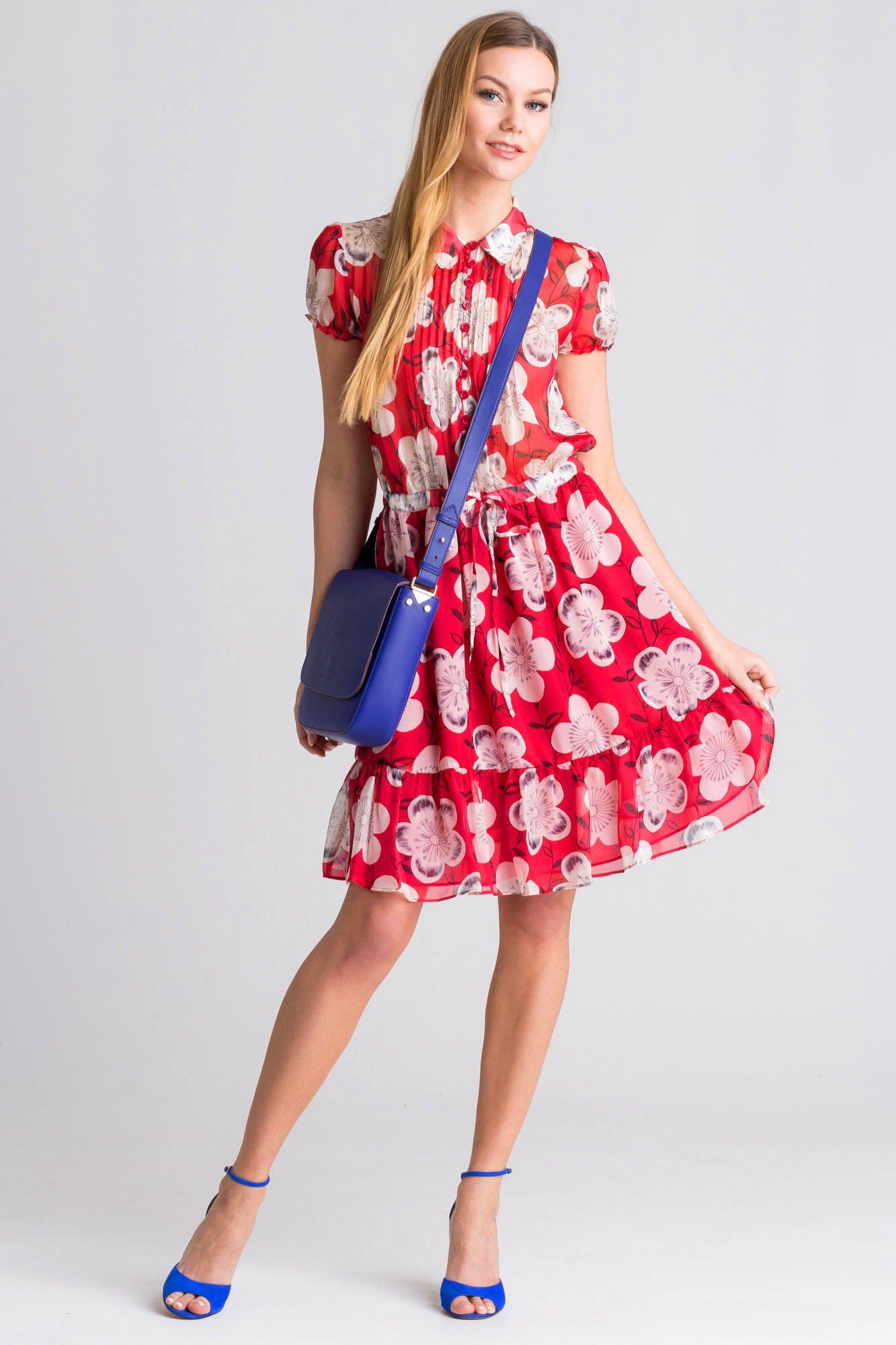 d97fd54e3c Czerwona sukienka w kwiaty · Czerwona sukienka w kwiaty ...