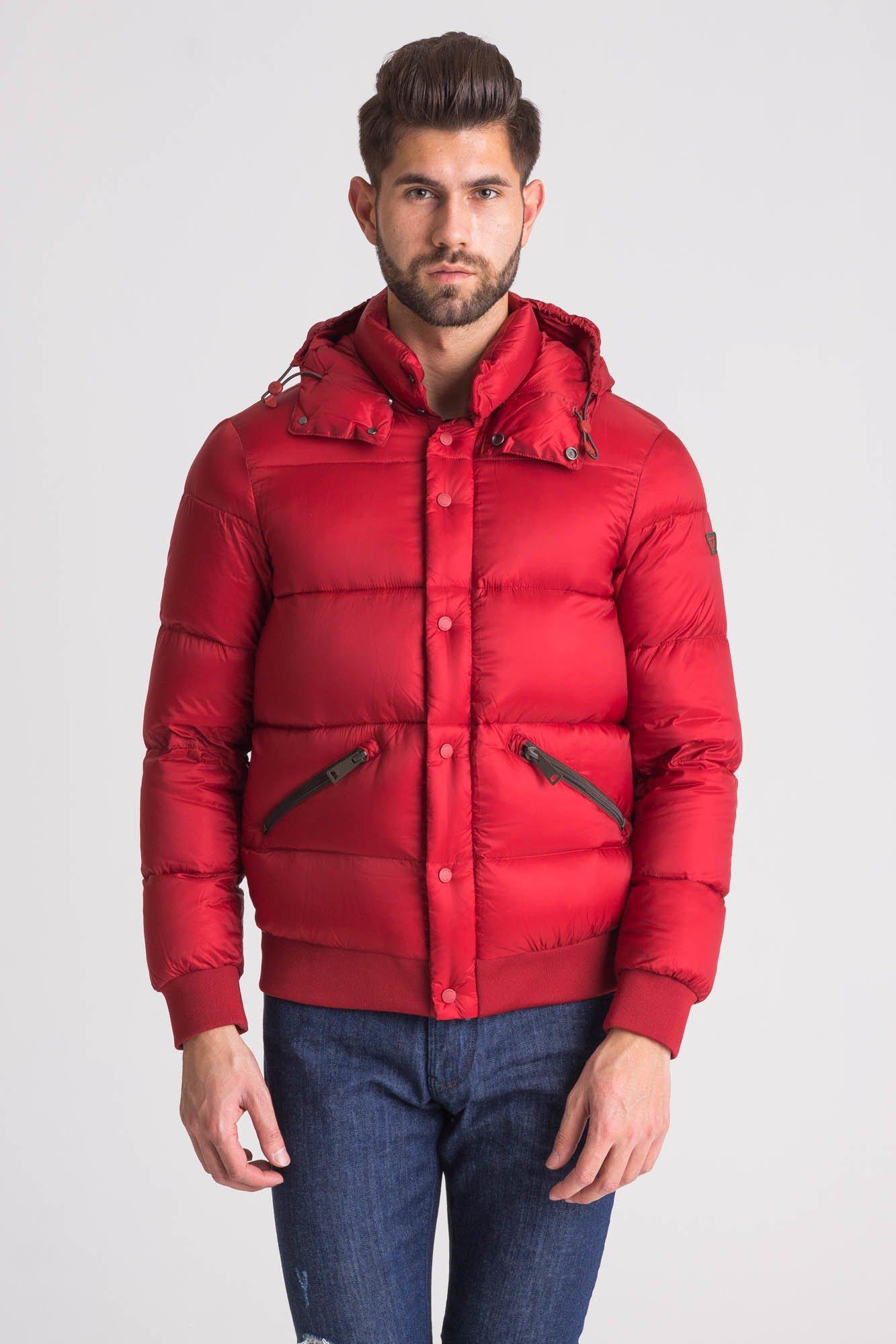 03575e88934ef Czerwona wodoodporna pikowana kurtka męska · Czerwona wodoodporna pikowana  kurtka męska ...