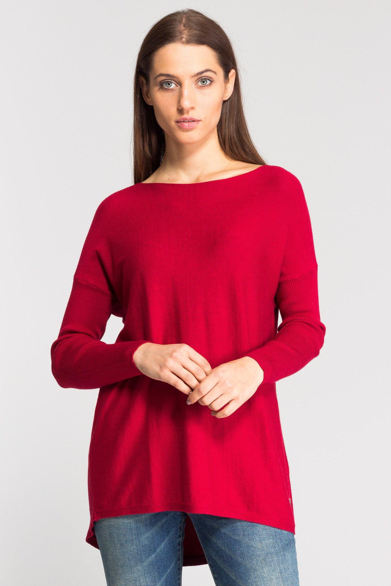 4127b83f942c82 Czerwony asymetryczny sweter damski; Czerwony asymetryczny sweter damski ...
