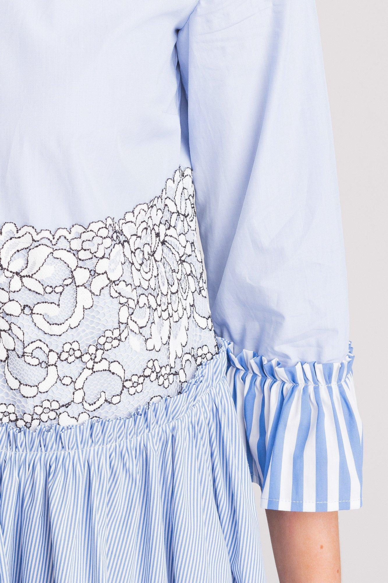 77aa877c6d Niebieska sukienka My Twin z biało-czarną koronką ...