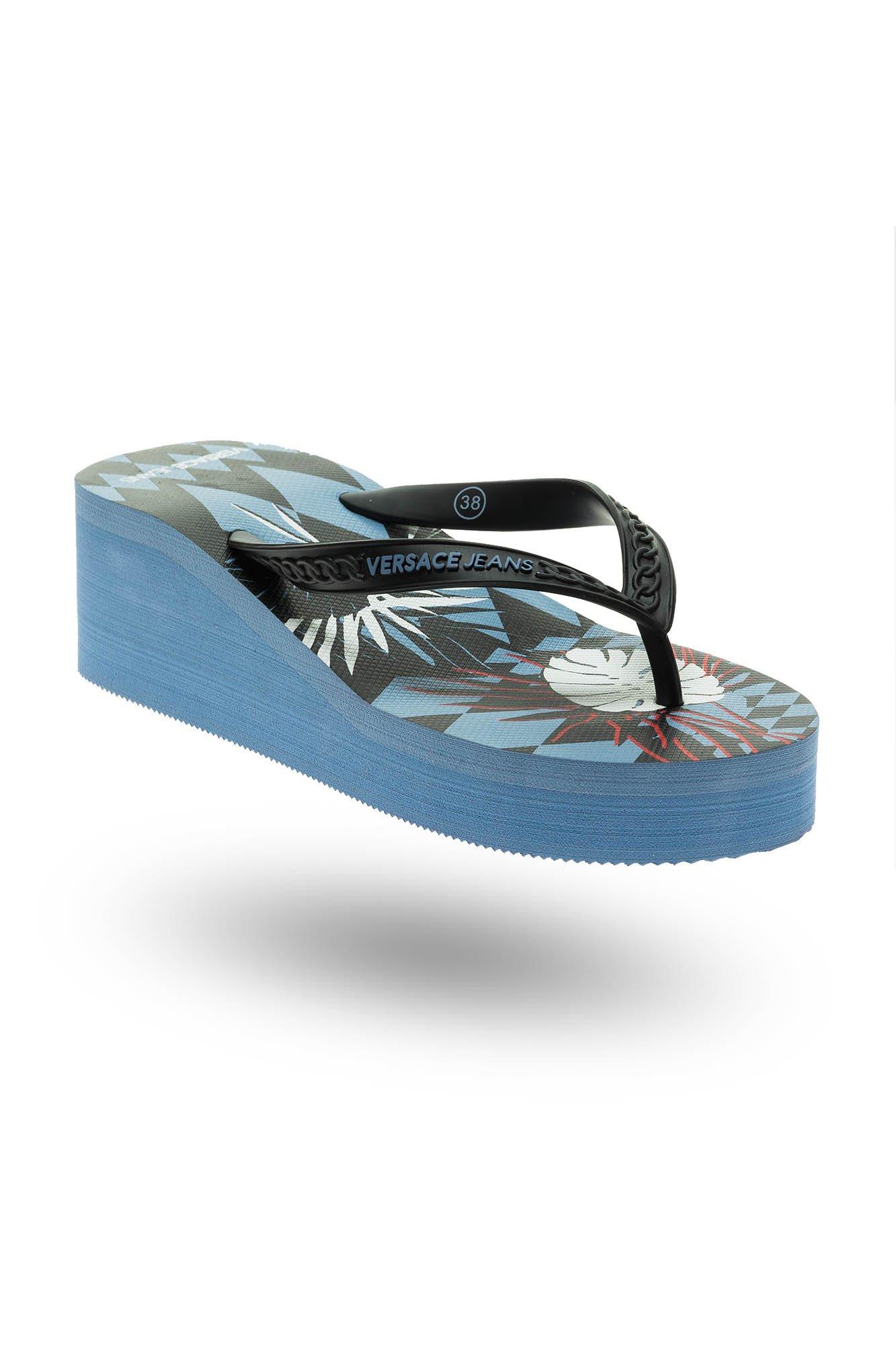 85a4635b Niebieskie japonki Versace Jeans na koturnie | Markowa odzież w ...
