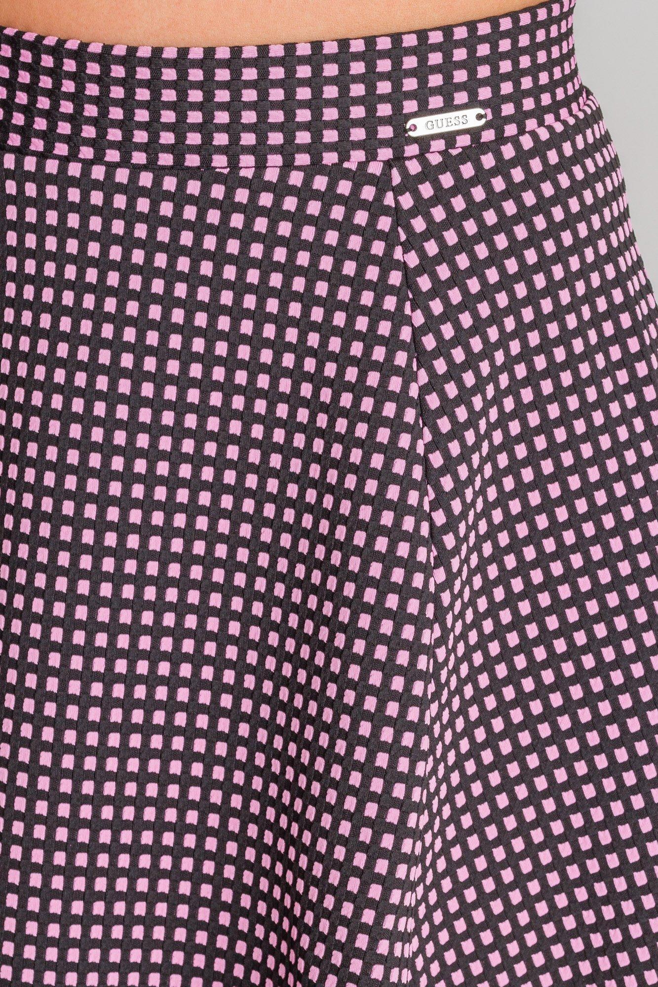 c14704d0 Różowa spódnica Guess Romina w kratę