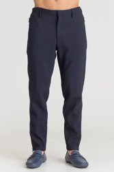 e835e9c439e48 Granatowe męskie spodnie Emporio Armani z tłoczonym wzorem